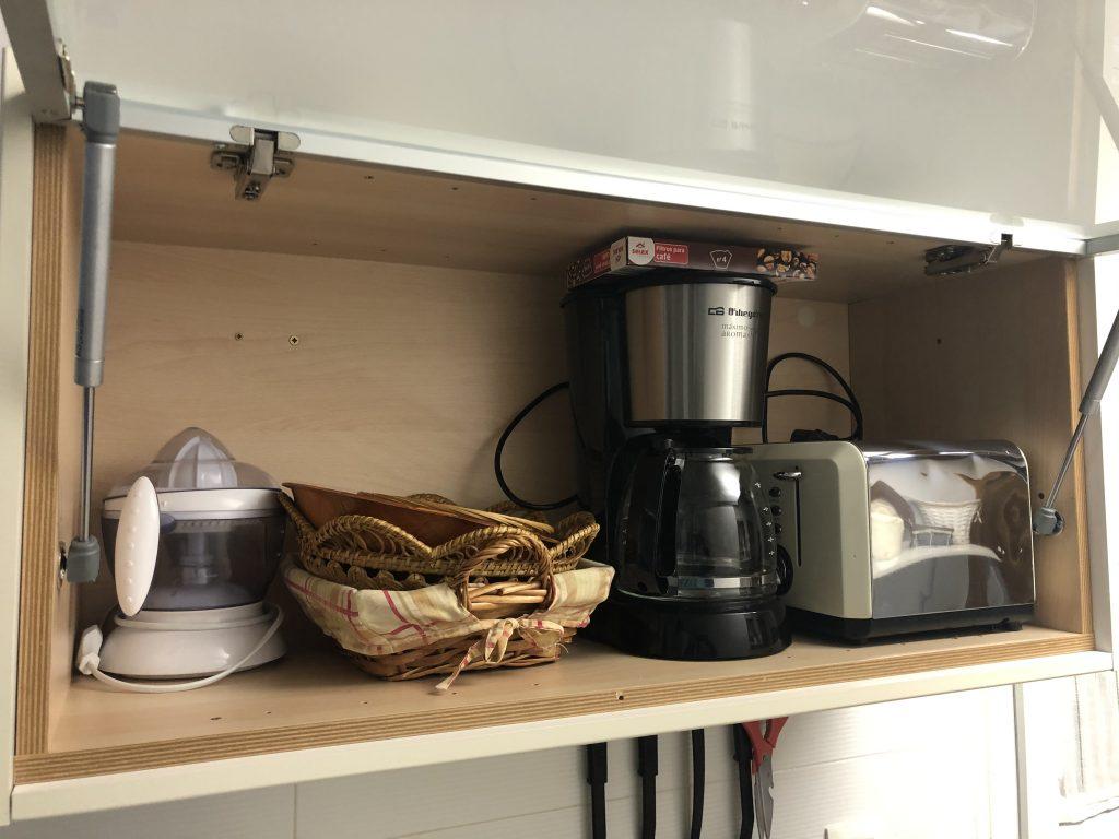 Cafetera, tostadora y exprimidor